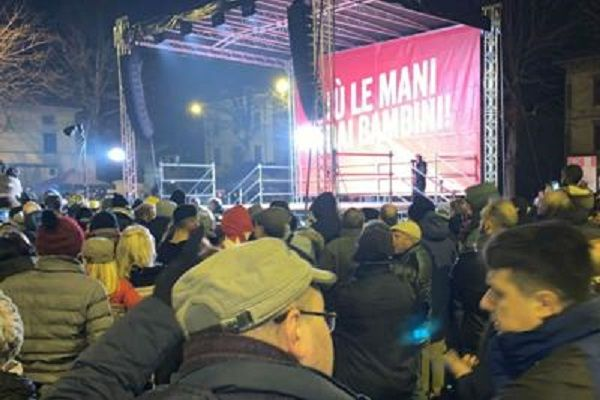 cms_15827/Bibbiano_piazza_Salvini_Adn6.jpg