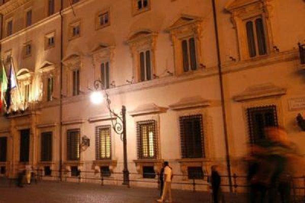 cms_15827/palazzo_chigi_sera_fg.jpg