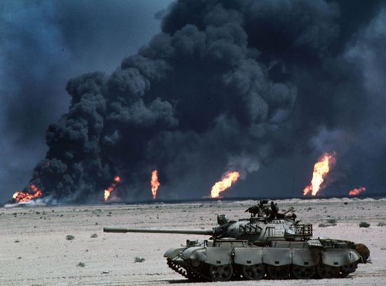 cms_641/oilfirestankfe1.jpg
