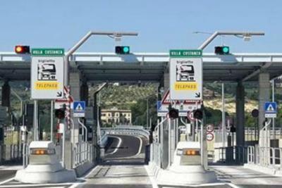 cms_6683/autostrada_villa_costanza.jpg