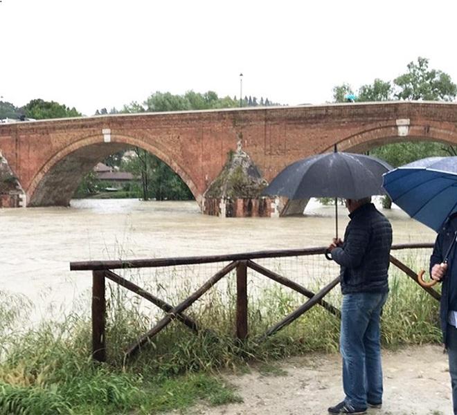 Emilia_Romagna:_esonda_il_fiume_Savio