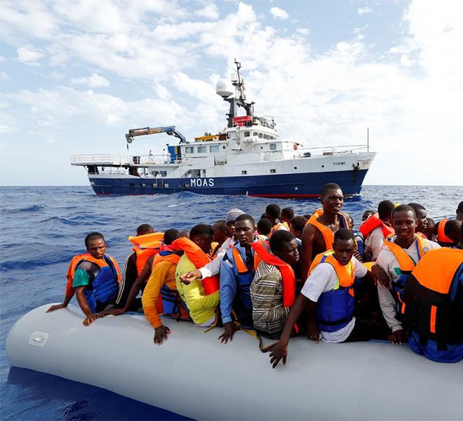 Malta,_425_migranti_sbarcati_dopo_quaranta_giorni_in_mare