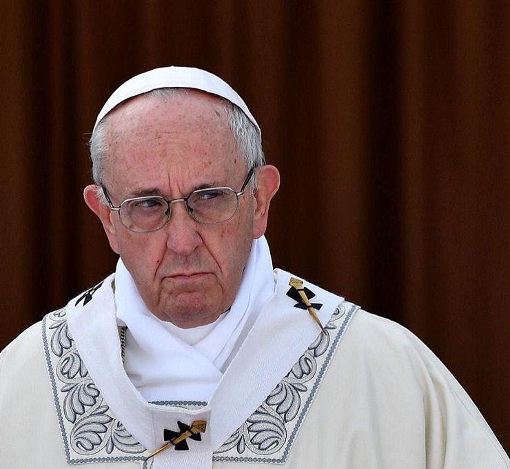 Accuse_al_Papa,_Bergoglio:_-quot;Giudicate_voi-quot;