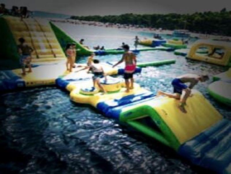 Al_via_a_Bisceglie_il_primo_acquapark_galleggiante_del_Sud_Italia