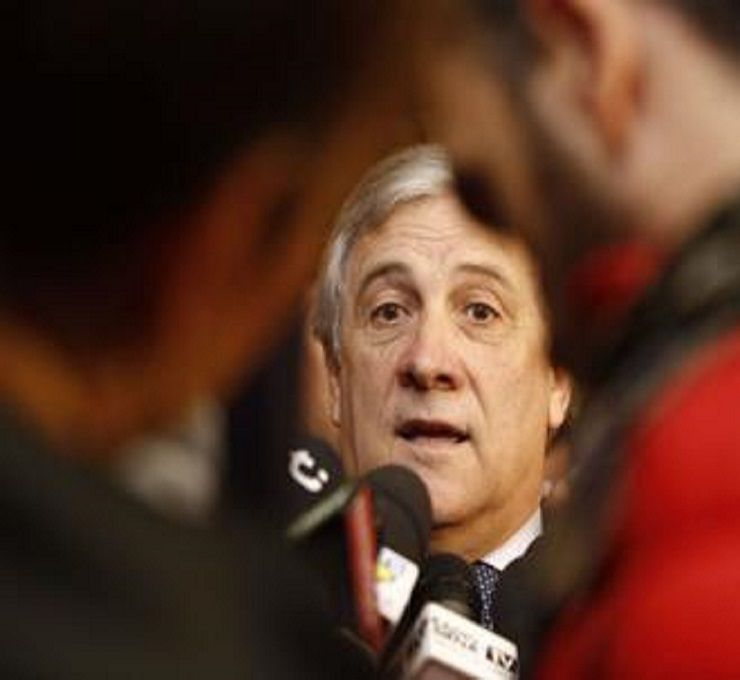 Bufera_su_Tajani