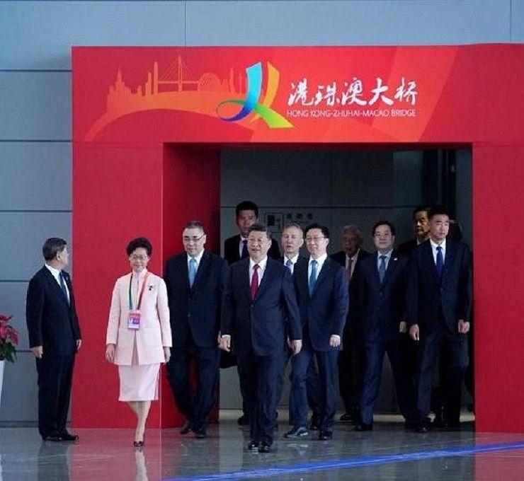 Luci_ed_ombre_in_Cina_per_l'inaugurazione_del_ponte__più_lungo_del_mondo