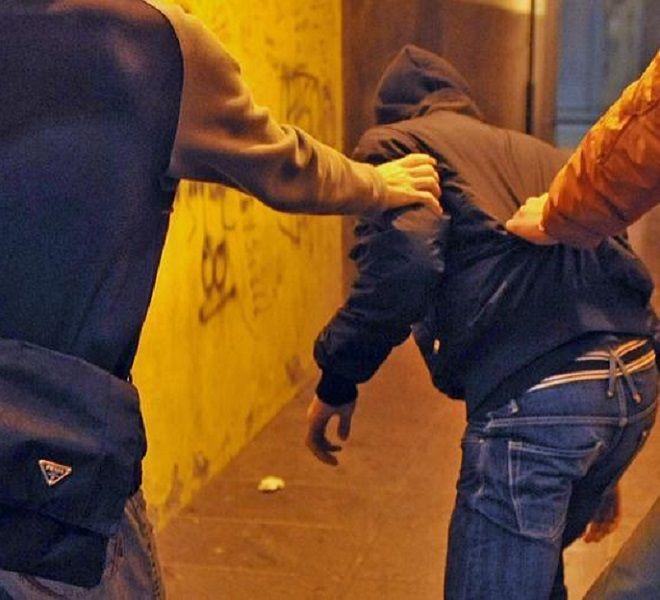 Esibire_la_violenza