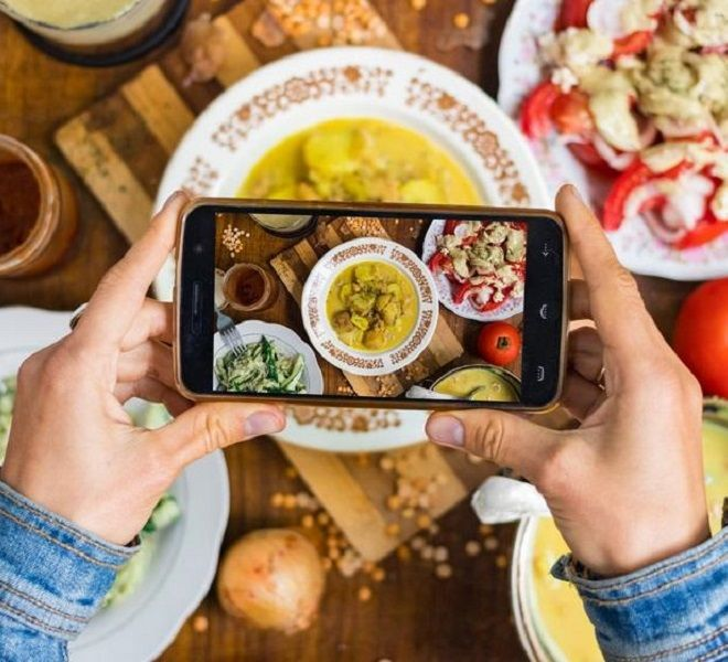 Gastronomia_uber_alles_in_diretta_social