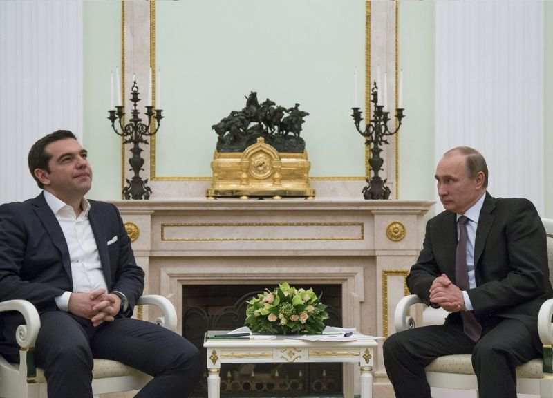 Alexis_Tsipras_woos_Vladimir_Putin_as_Greeks_rush_for_their_savings