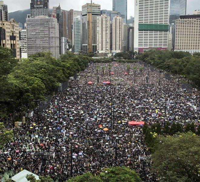 HONG_KONG:_IL_DESIDERIO_DI_DEMOCRAZIA_SFIDA_IL_MONSONE