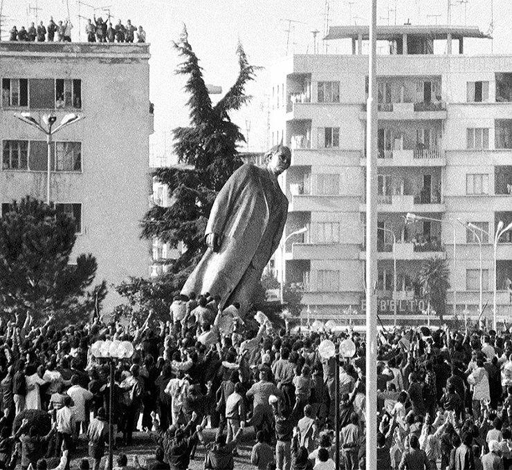 I_PRIMI_30_ANNI_DELLA_DEMOCRAZIA_ALBANESE