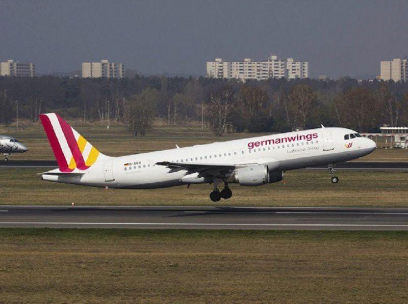 AIRBUS_A320_CON_150_PASSEGGERI_SI_SCHIANTA_NEL_SUD_DELLA_FRANCIA