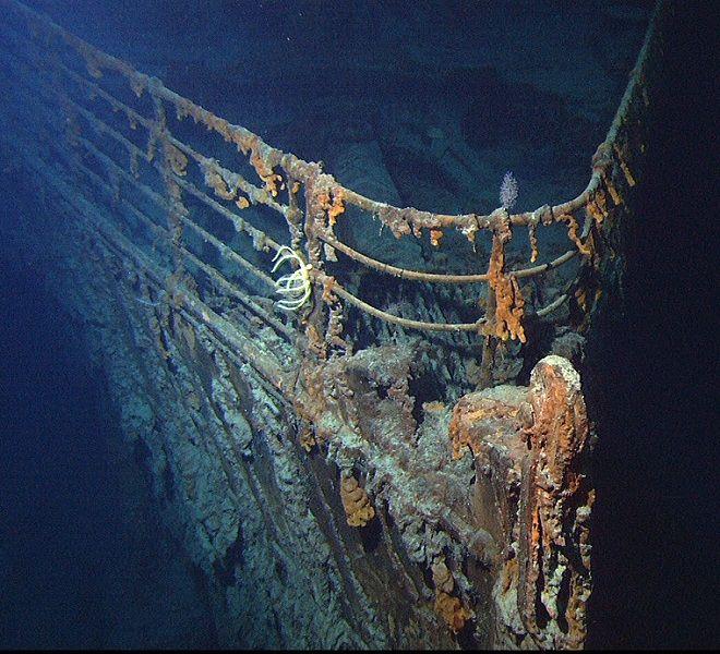Il_relitto_del_Titanic_urtato_da_un_sottomarino