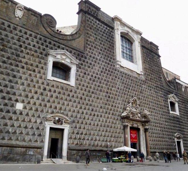 Il_segreto_sul_bugnato_della_chiesa_del_Gesù_Nuovo_di_Napoli