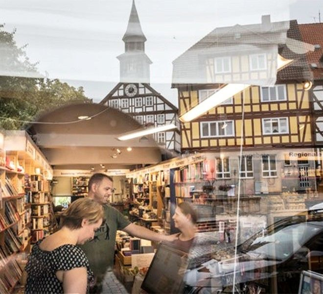 In_Germania_un'innovativa_libreria_che_vende…_salsicce!