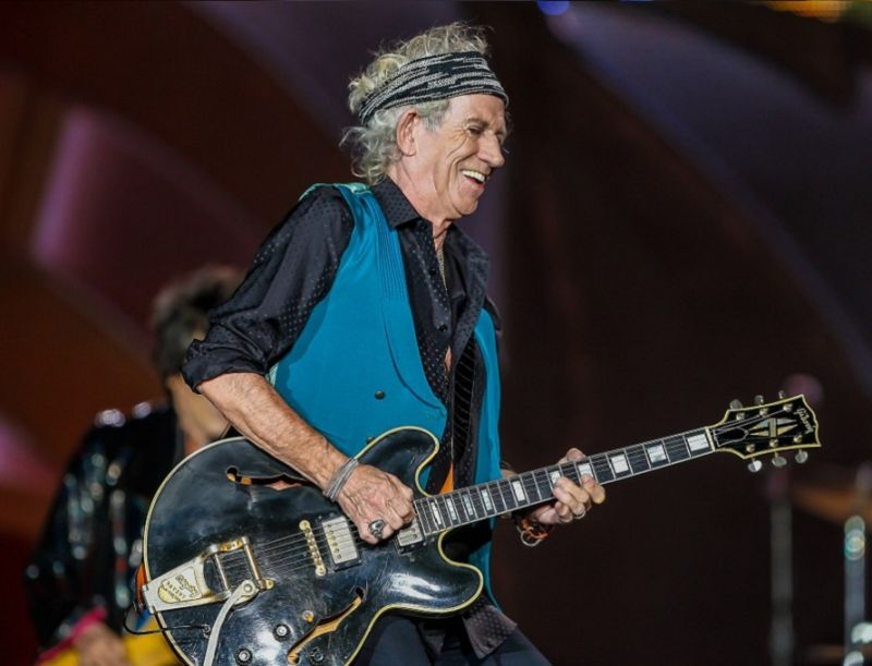 "KEITH_RICHARDS_CONTRO_I_BEATLES:_""SGT__PEPPER'S_E'_PIENO_DI_IMMONDIZIA"""