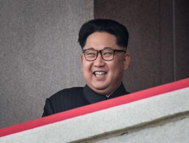 Kim_Jong-un_e_le_follie_di_regime