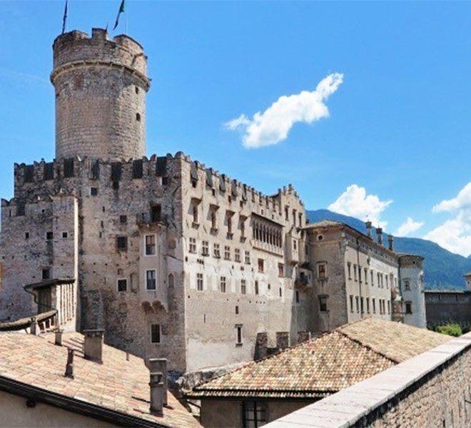 La_storia_dei_tessuti_sacri_in_mostra_al_Castello_del_Buonconsiglio_di_Trento
