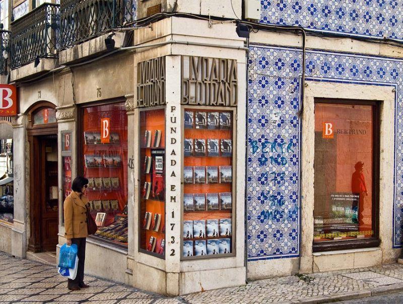 Lisbona,_283_anni_di_vita_per_la_libreria_più_antica_del_mondo