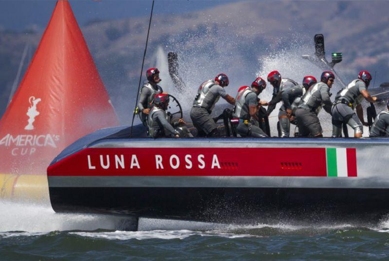 LUNA_ROSSA_SI_RITIRA
