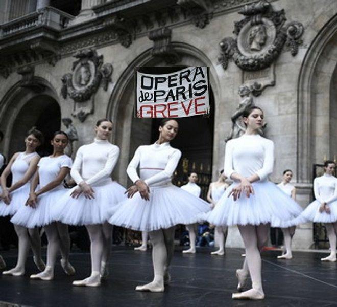 NATALE_DI_PROTESTE_A_PARIGI