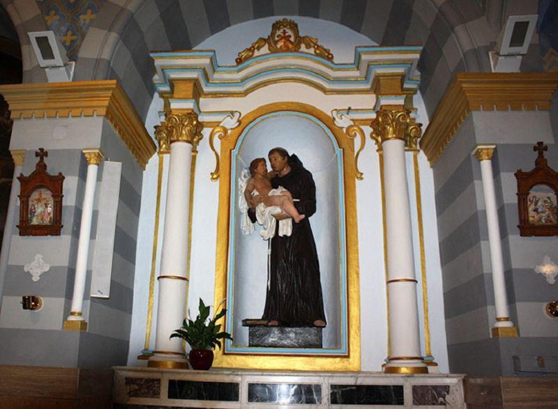 Nella_chiesa_del_Monastero_Santa_Chiara_di_Grottaglie_(TA)_tornano_a_risplendere_i_quattro_frontespizi