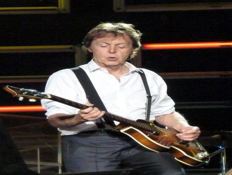 Paul_è_veramente_morto_L'enigma_nella_storia__dei_Beatles