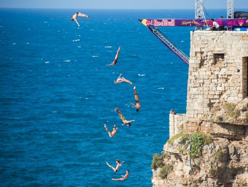 RED_BULL_CLIFF_DIVING_WORLD_SERIES_POLIGNANO_A_MARE:_LET'S_ROCK!