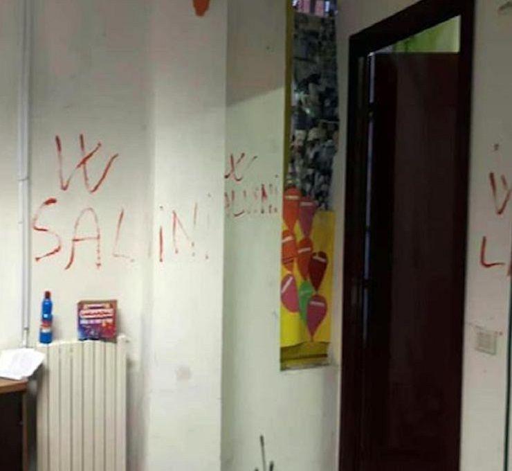 Raid_omofobo_devasta_una_scuola_popolare_di_Milano