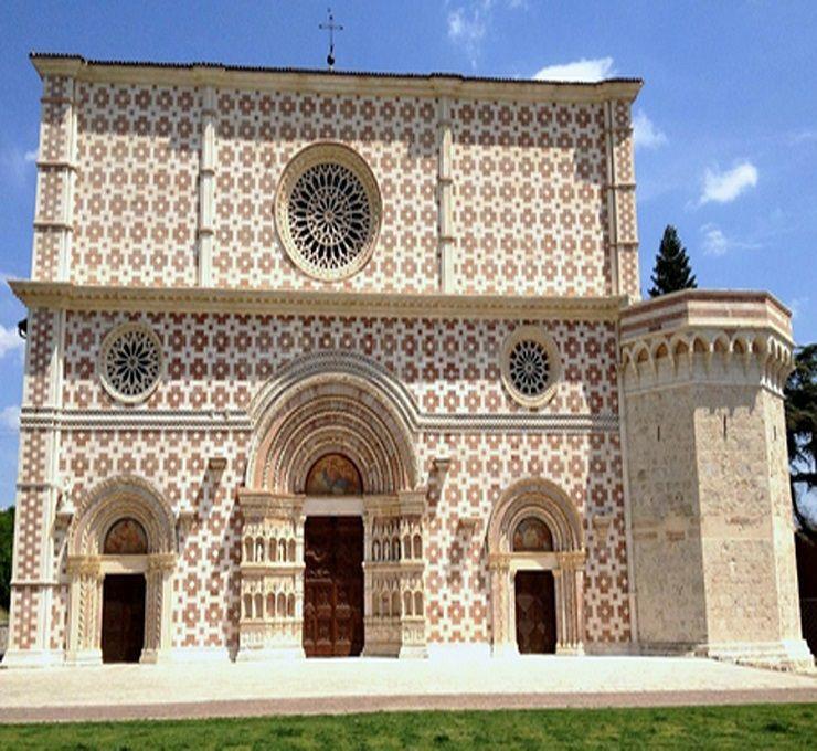 Riapre_all'Aquila_la_Basilica_di_Collemaggio