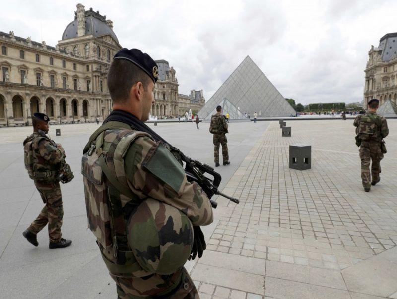 TRAGEDIA_SFIORATA_A_PARIGI:_FERMATO_UN_PRESUNTO_TERRORISTA