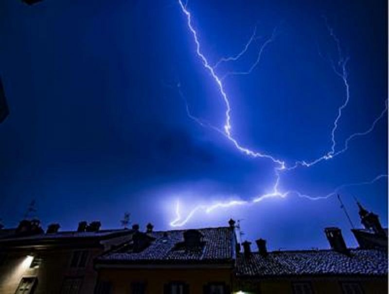 Fulmini_e_saette_in_arrivo_sull'Italia