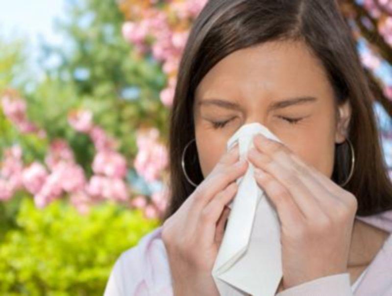 Salute:_allergie_di_stagione_per_1_italiano_su_5,_sintomi_'diversi'_per_lui_e_lei