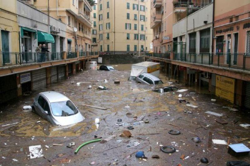 Genova,come_nel_2011_-_ancora_schiava_dell'acqua