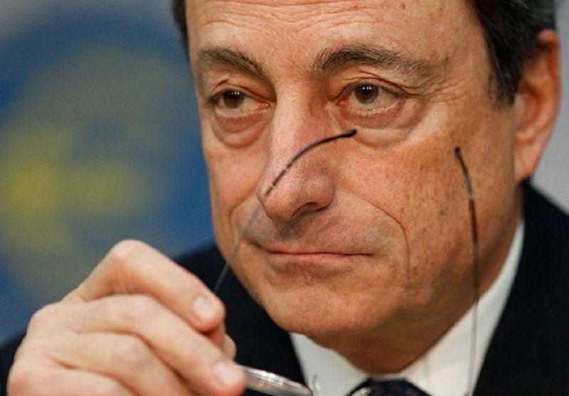 Draghi_arma_il_Bazooka_per_salvare_l'Europa