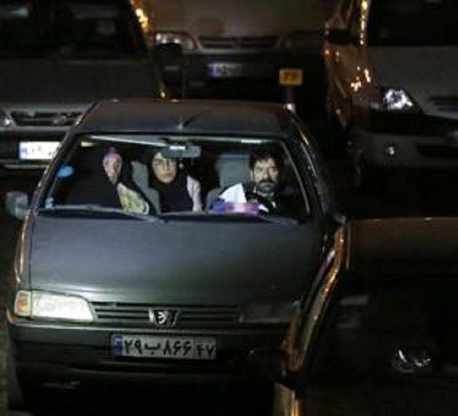 Coronavirus:_'drive-in'_a_Teheran,_in_auto_per_pregare