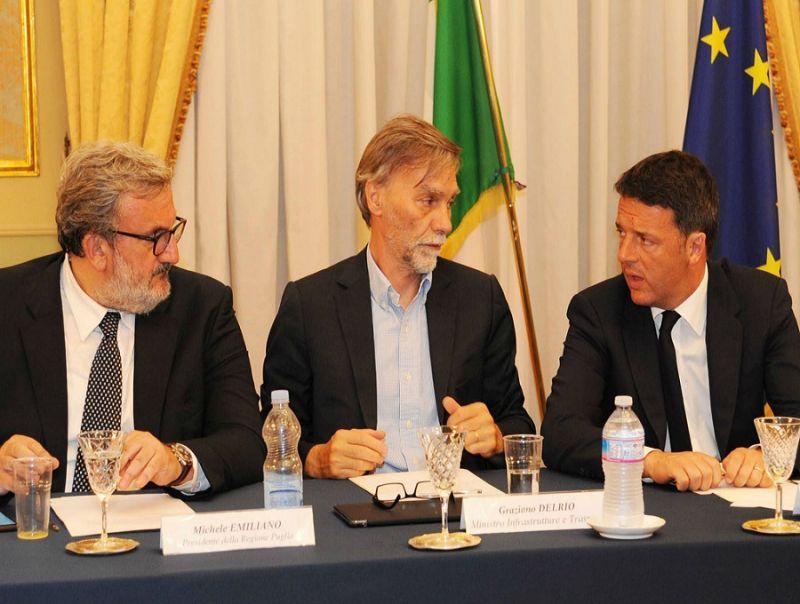 Pd,_Renzi_chiama_Emiliano_ma_l'unità_resta_appesa_a_un_filo
