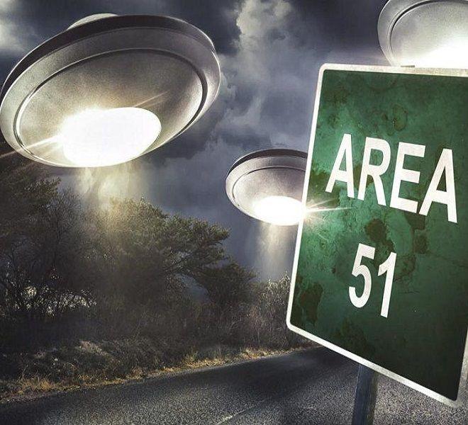 Nell'area_51_non_ci_sono_alieni,_parola_di_…_Edward_Snowden