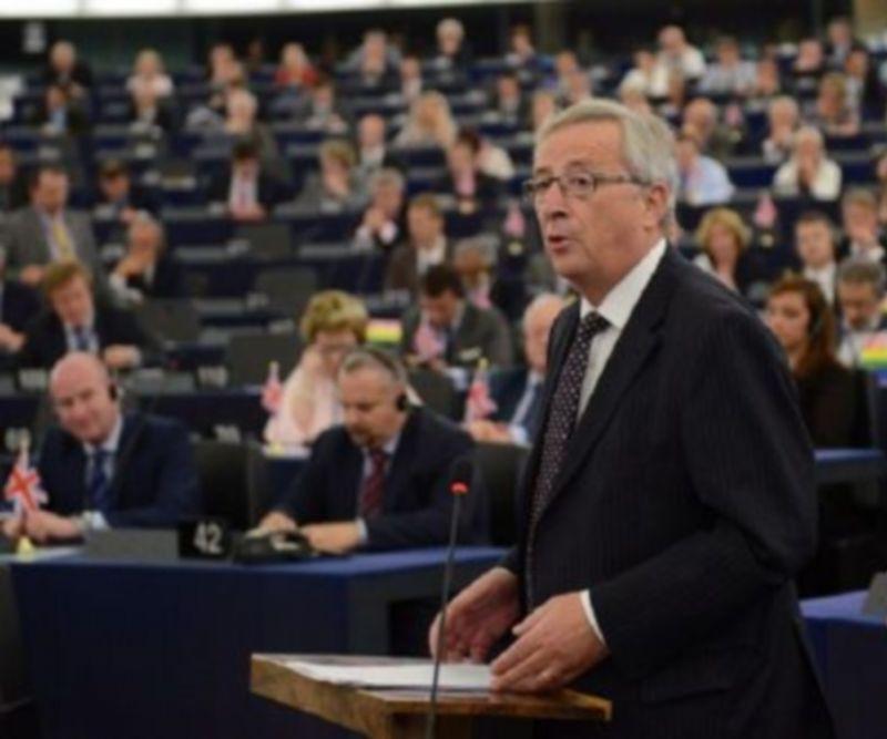 La commissione europea gela renzi italia in recessione for Commissione bilancio camera dei deputati