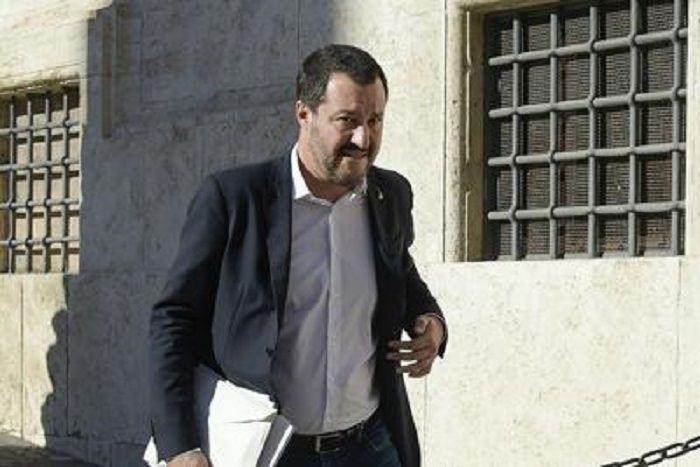 cms_14070/Salvini_piazza_montecitorio_Fg_3-5-3447103485.jpg