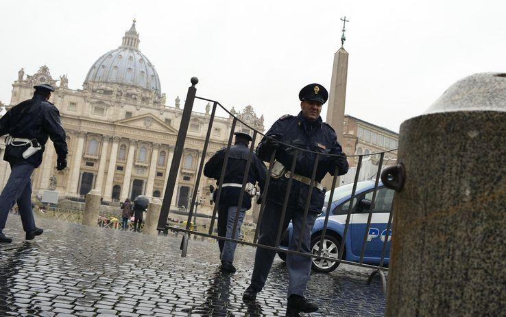cms_1476/papa_ultimo_angelus_vaticano_misure_sicurezza_ansa_01.jpeg
