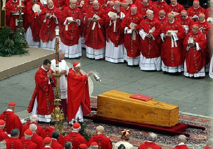 cms_17537/Funerali-Papa-Giovanni-II-1.jpg