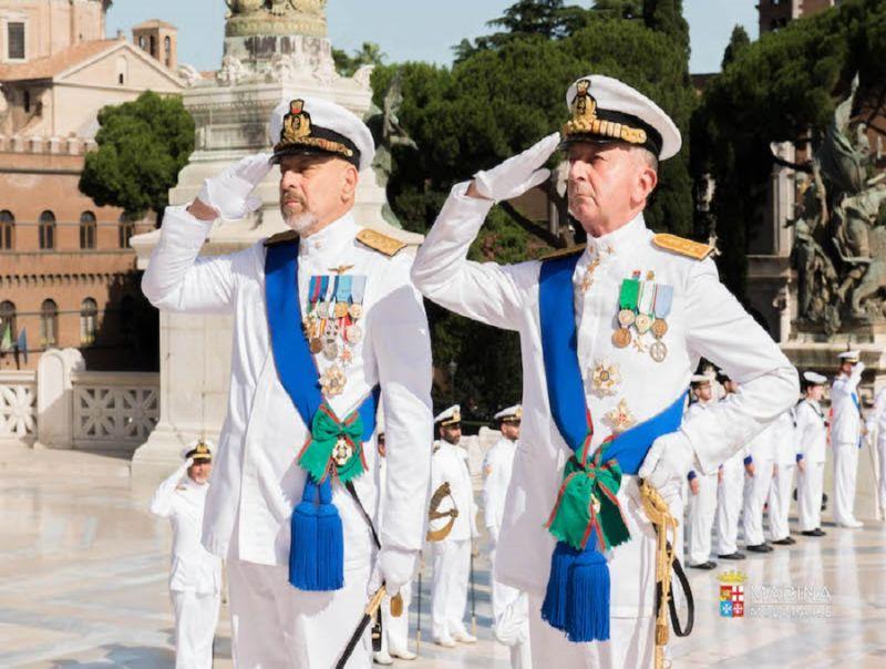 cms_4137/Passaggio_di_consegne_vertici_marina_militare_.jpg