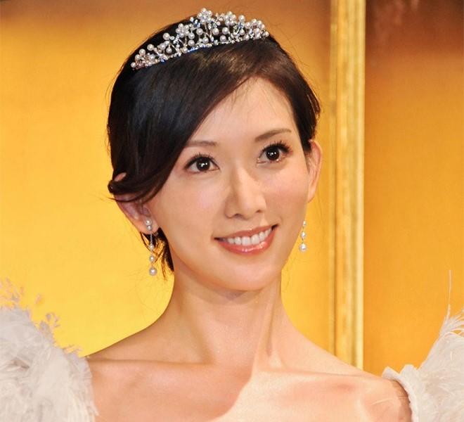 Cina:_si_sposa_Li_Chi-ling