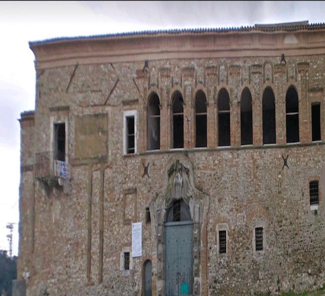 Ascoli_Satriano_e_il_presunto_castello_infestato