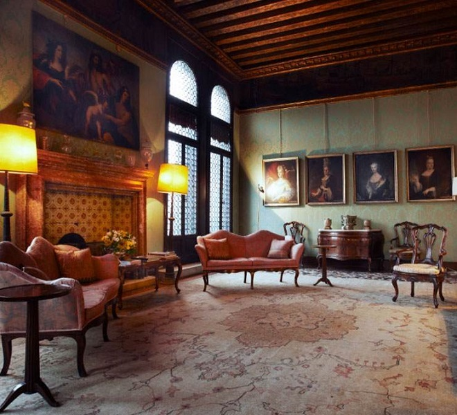 Palazzetto_Pisani,_stay_in_Venice_in_an_authentic_historic_residence_on_the_Grand_Canal