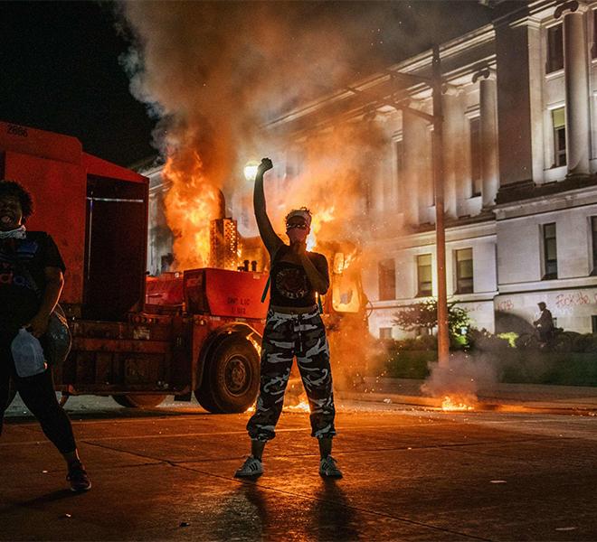 USA,_SCONTRI_ALLE_PROTESTE_PER_J__BLAKE:_17ENNE_BIANCO_UCCIDE_DUE_MANIFESTANTI