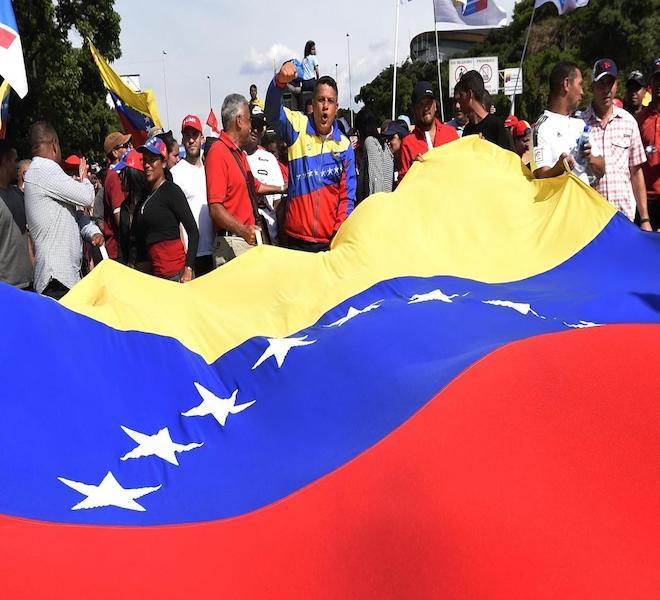 VENEZUELA:_A_DICEMBRE_LA_RESA_DEI_CONTI_MADURO-GUAIDÓ