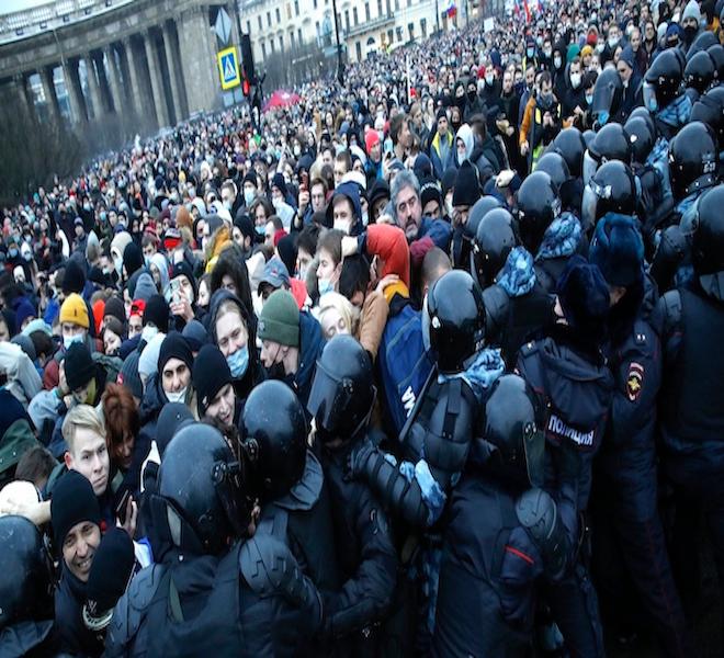 RUSSIA:_È_CACCIA_AGLI_OPPOSITORI_DI_PUTIN