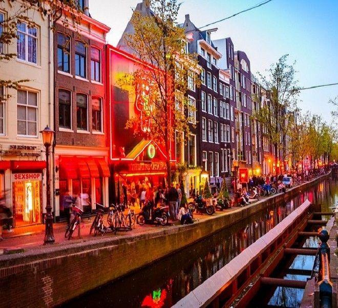 Amsterdam:_sta_per_chiudere_il_suo_famoso_quartiere_a_luci_rosse_